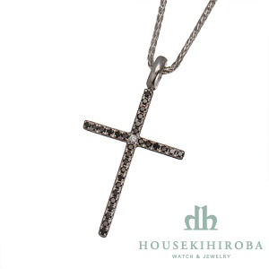 ミステリークロス 1Pダイヤ・ブラックダイヤ ペンダントネックレス(S)