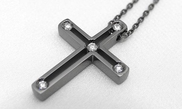 Dサイド クロス ダイヤ ペンダントネックレス(S)
