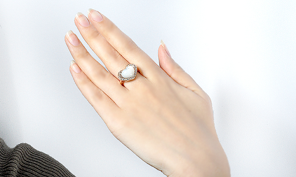 ハート白蝶貝・ホワイトサファイア リング