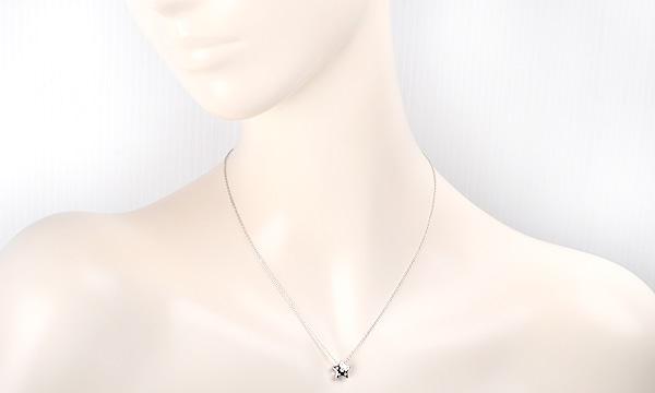 ダイヤ ペンダントネックレス