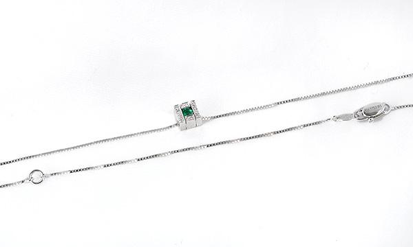 ベルエポック スクエア エメラルド・ダイヤ ネックレス