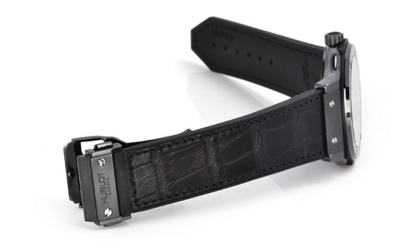 クラシックフュージョン ブラックマジック セラミック42mm