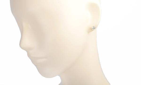 ダイヤ ハーフピアス D 0.660ct