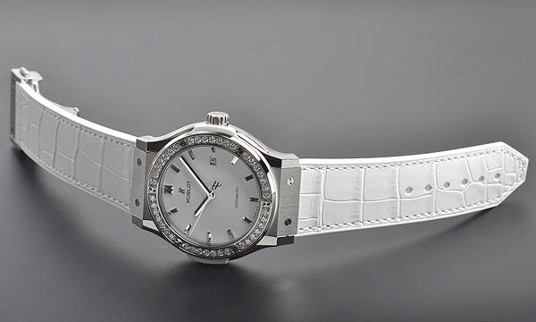 クラシックフュージョン チタニウムホワイトダイヤモンド