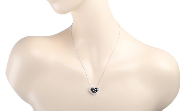 ブラックダイヤ・ダイヤ ハートモチーフ ネックレス