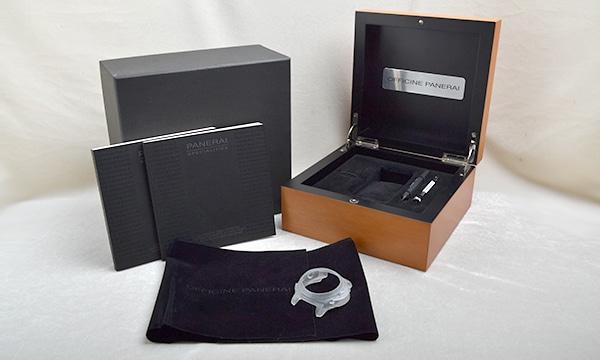 ルミノール1950 8デイズクロノ モノプルサンテGMT