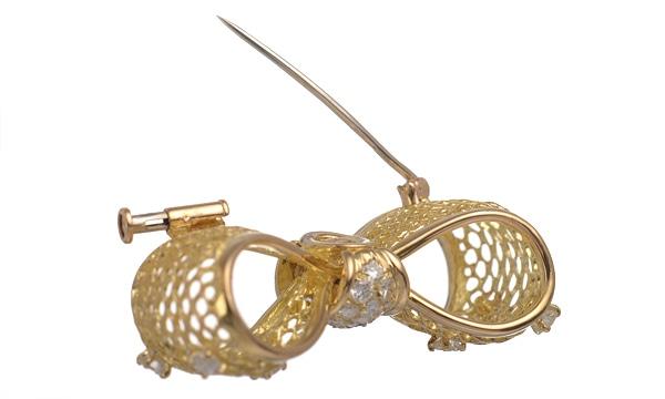 メッシュリボン ダイヤ ブローチ