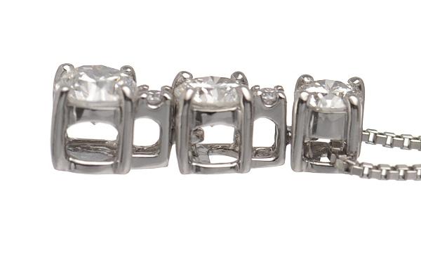 トリロジー ダイヤ ペンダントネックレス